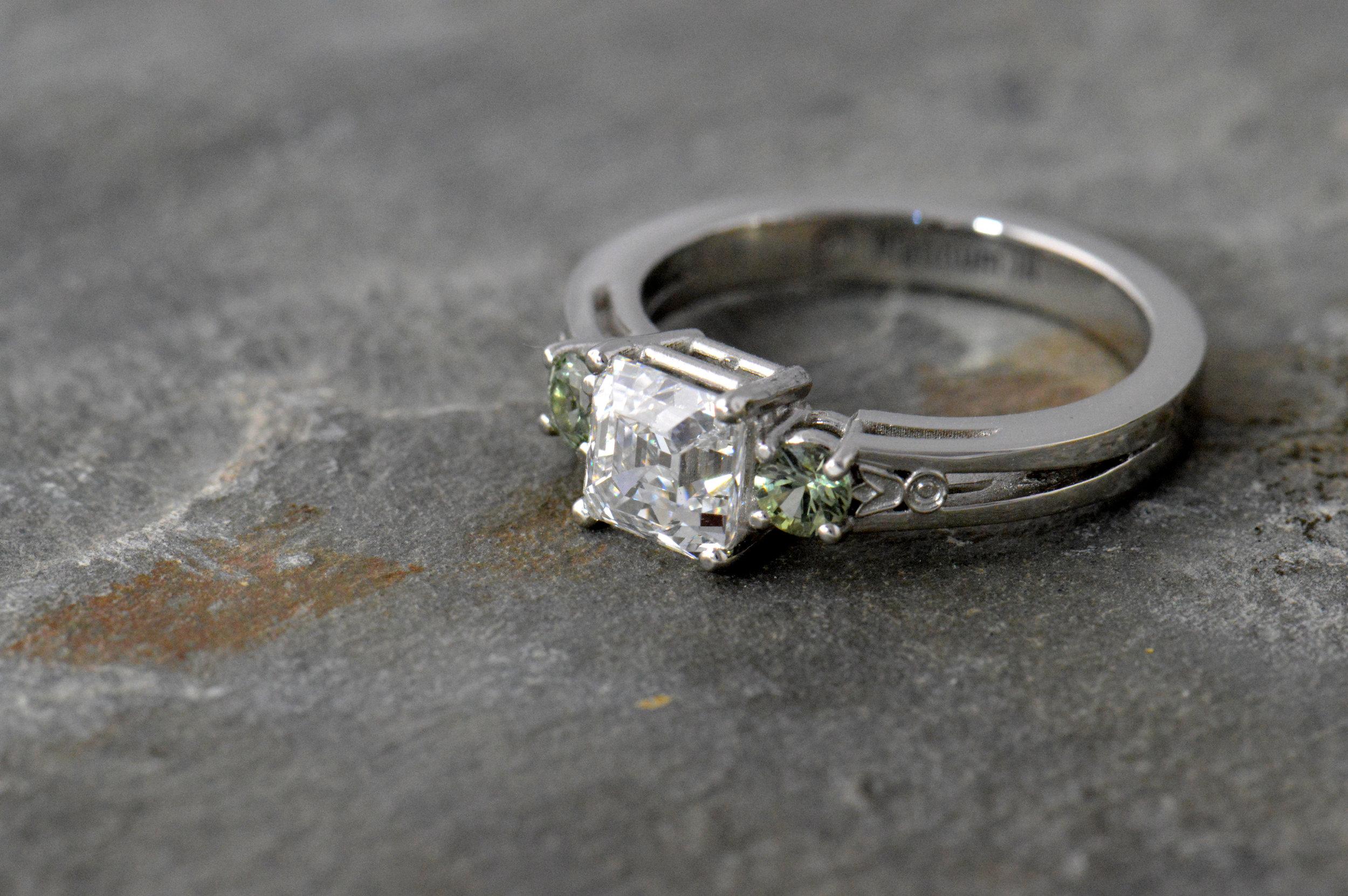 darvier-green-sapphire-asher-diamond-platinum-art-deco-ring.JPG