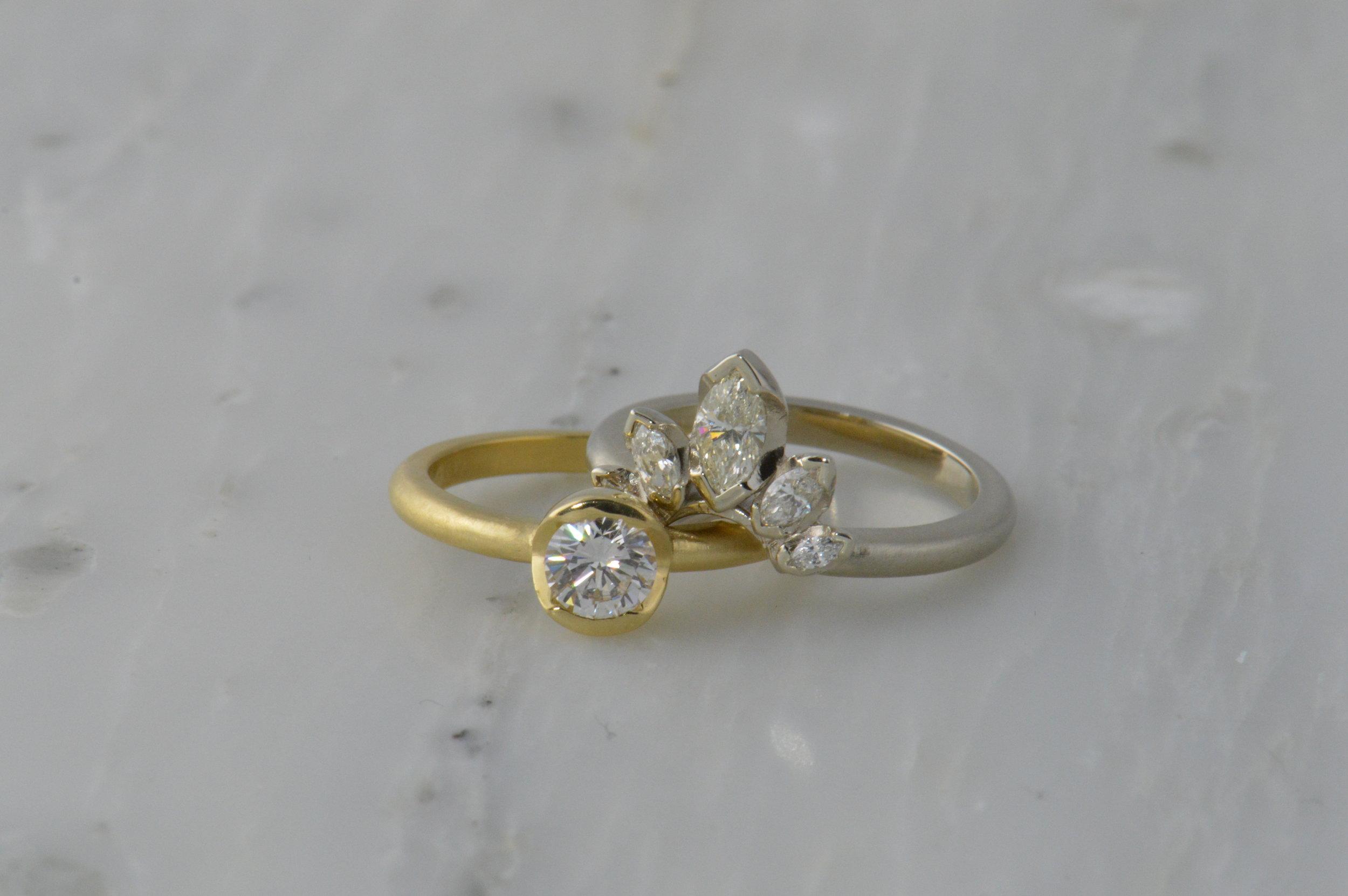 darvier-wedding-crown-ring-set.JPG