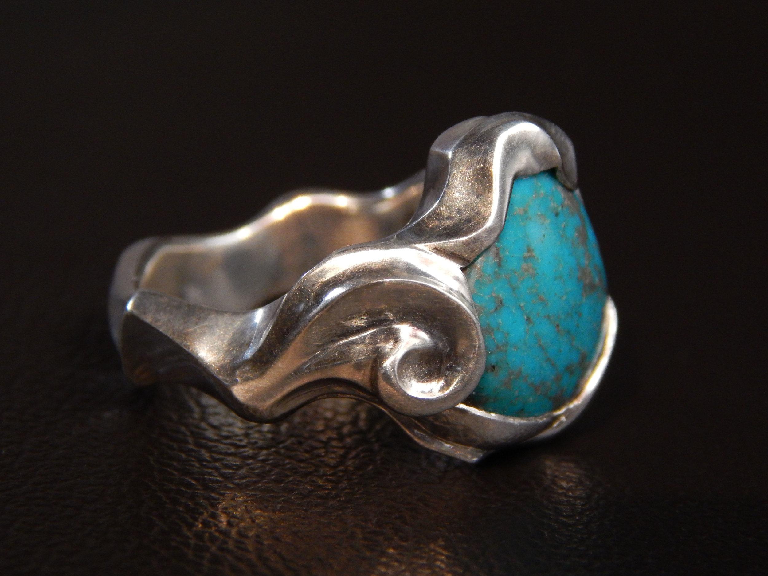 darvier-antiqued-sterling-turquoise-ocean-wave-ring.JPG