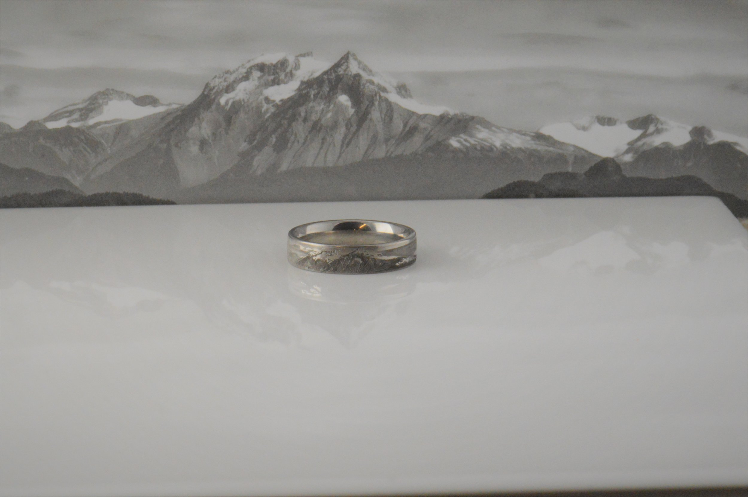 darvier-client-photo-wedding-ring-engraved.JPG