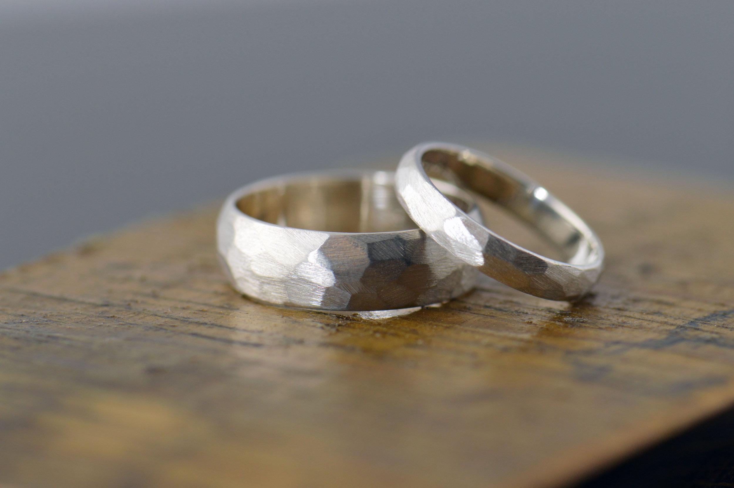 darvier-faceted-sterling-wedding-set.JPG