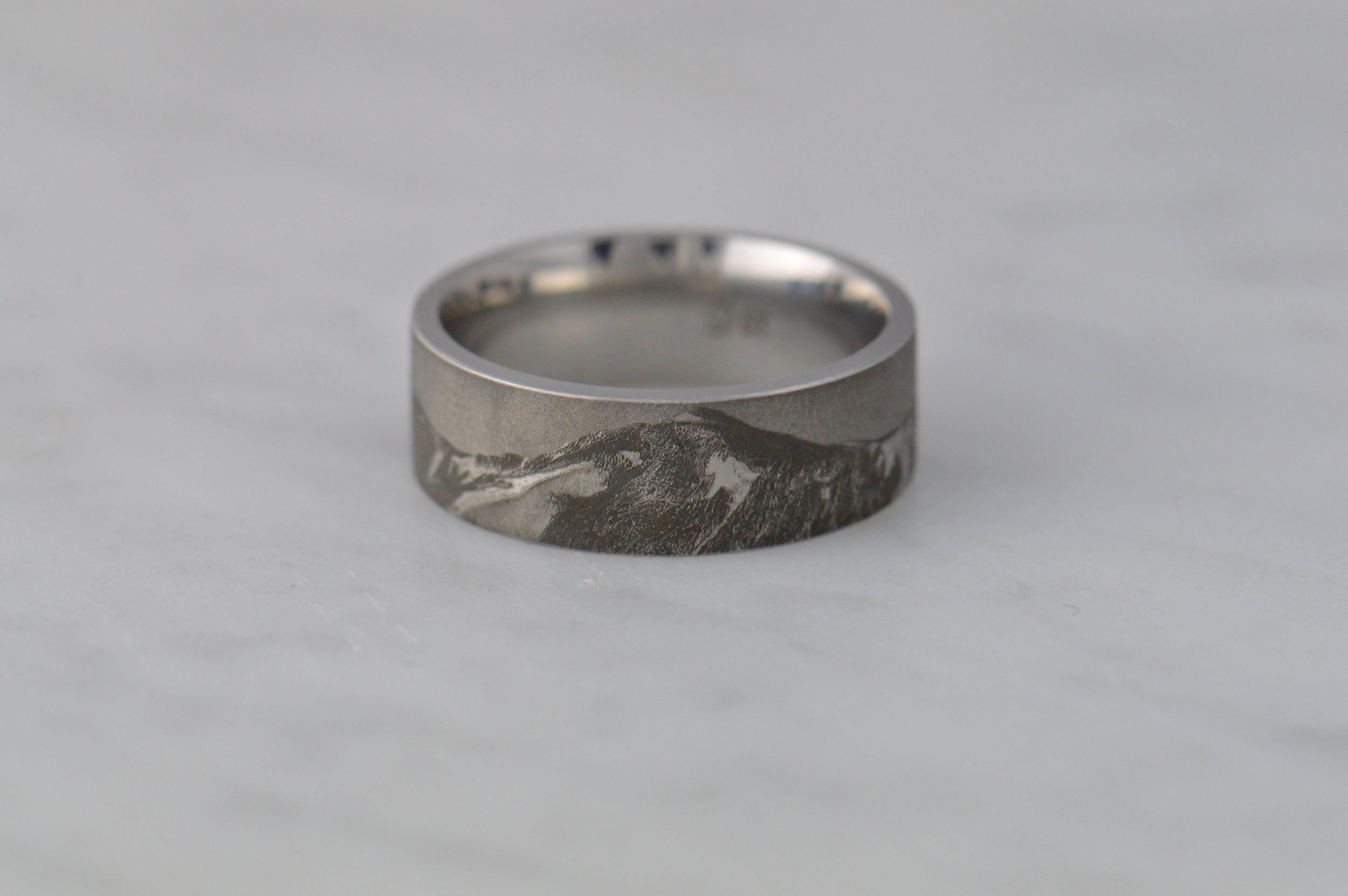 darvier-photo-realism-engraving-ring.JPG