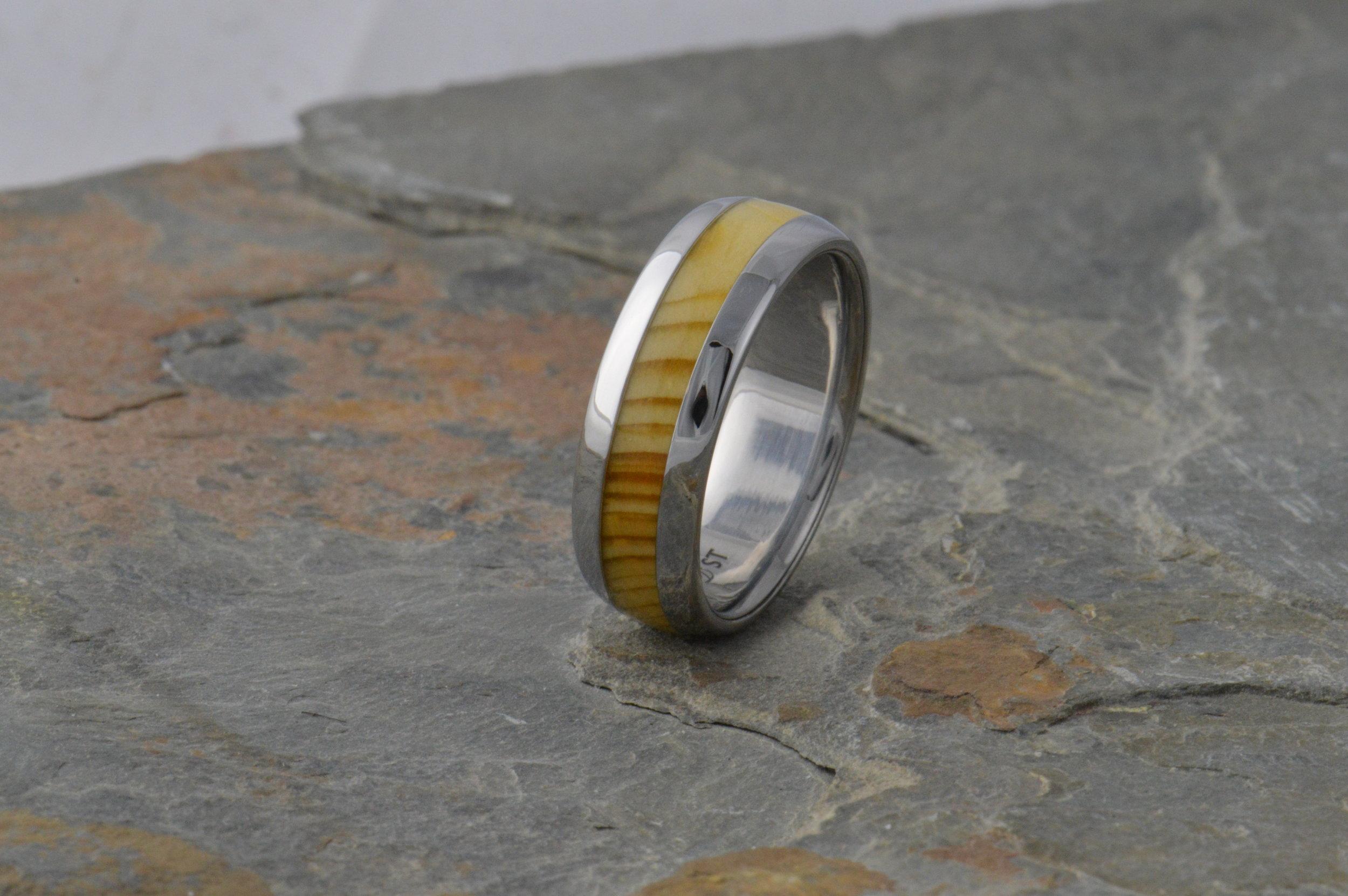 darvier-stainless-steel-wood-ring.JPG