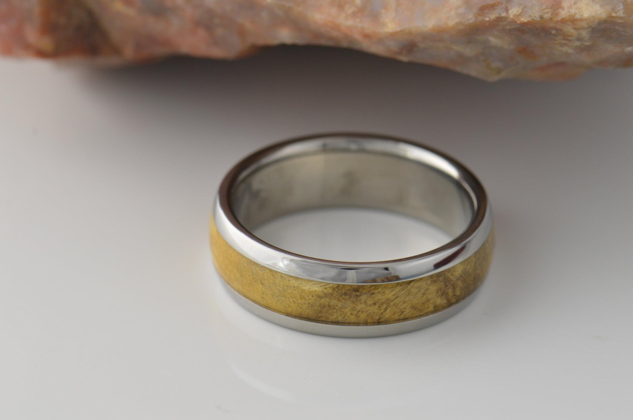 darvier-white-buckeye-titanium-ring.JPG