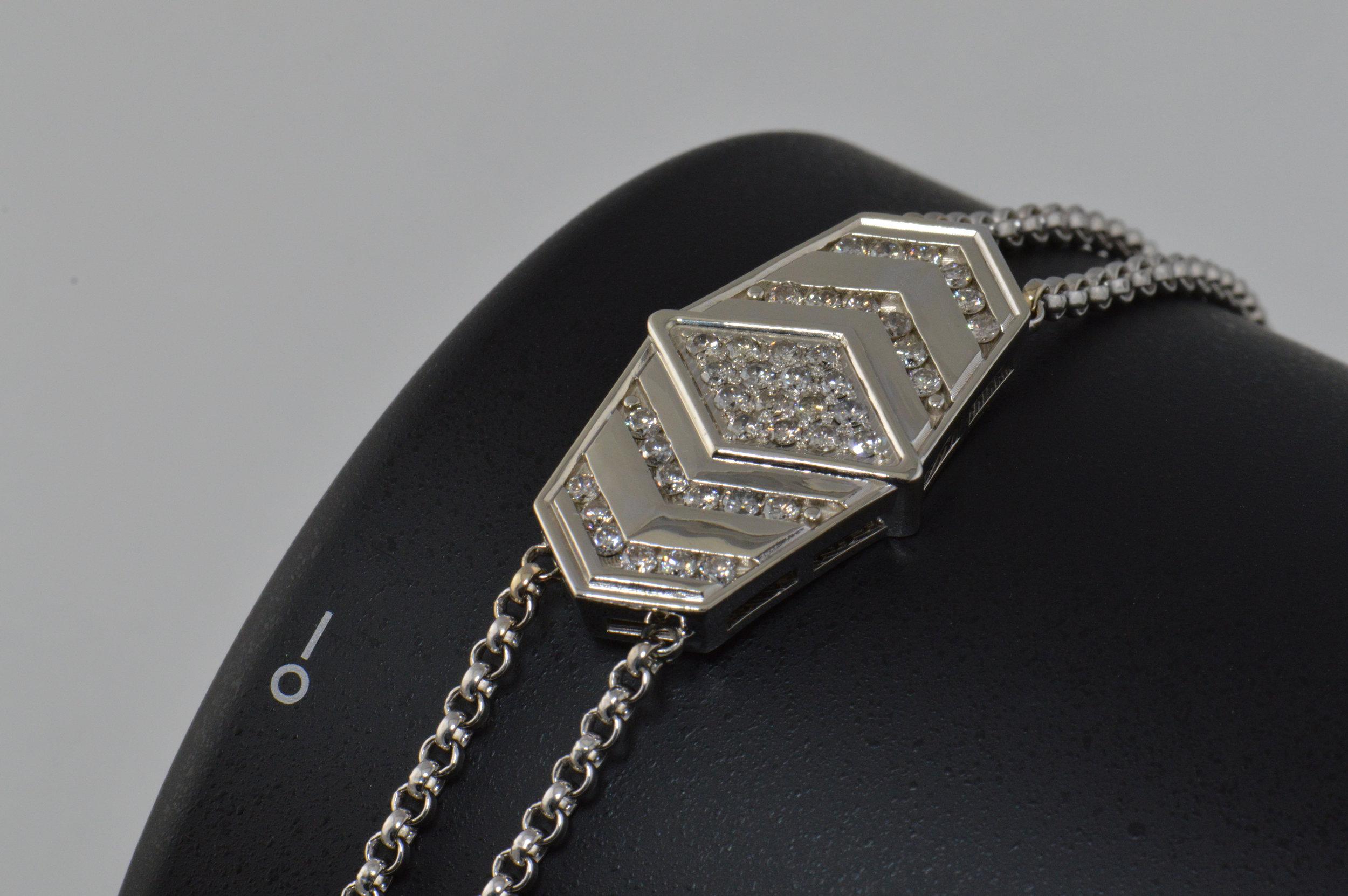 darvier-diamond-white-gold-bracelet-art-deco.jpg