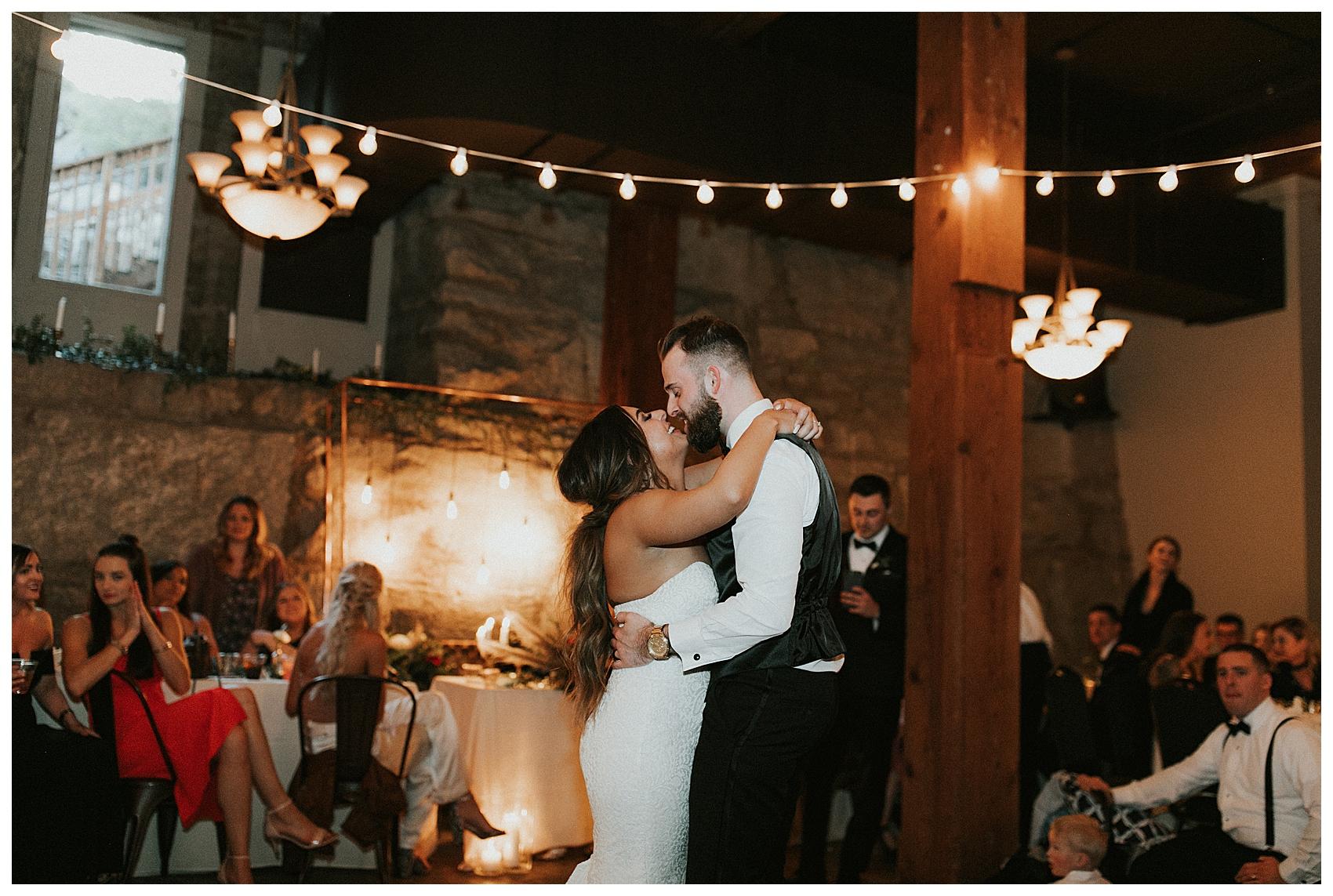 Chateau Rive Spokane Wedding Cassie Trottier Photography01113.jpg
