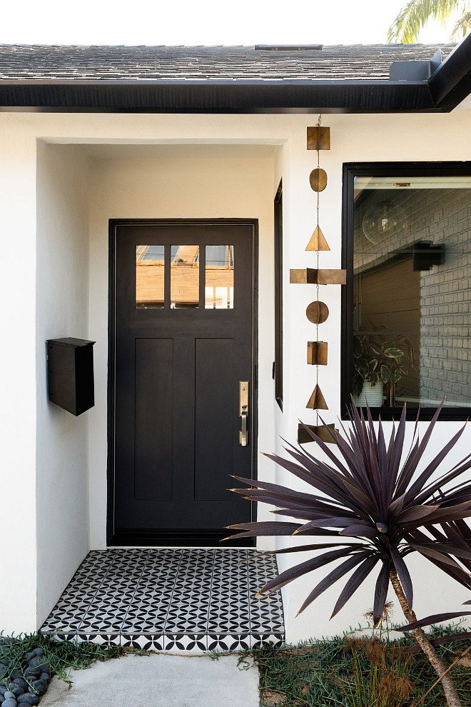 Black-Door-Paint-Color-Black-Tie-Dunn-Edwards.jpg