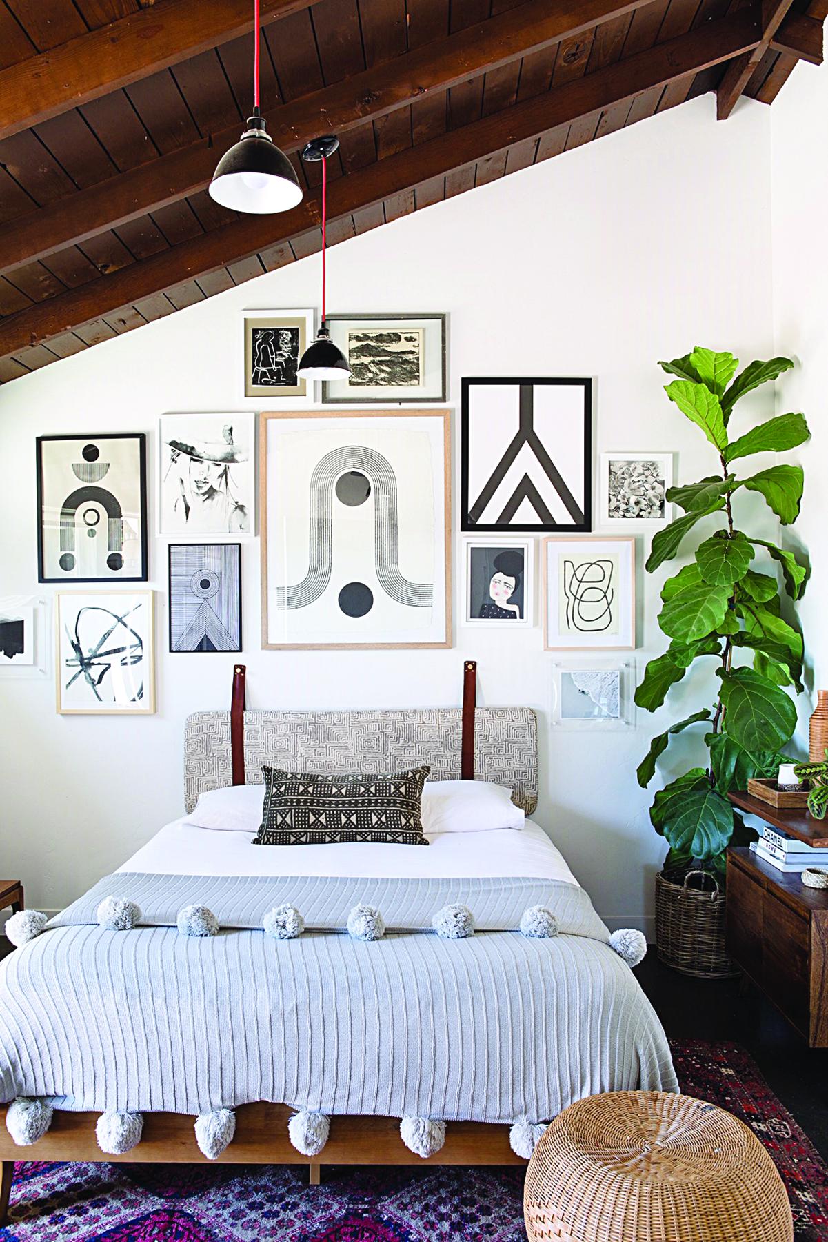 gallery-wall-slanted-angle-Jess-Isaac.jpg