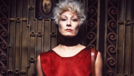 - The Grifters (1990) is a well-written neo-noir that comes with a stellar performance from Anjelica Huston and a hearty endorsement from Matt's mom. It's a movie that gets richer with every viewing and boasts a veritable who's who of 90's character actors. Stephen Tobolowsky!, Frances Bay! Pat Hingle! They're all here. Join us as we mispronounce Annette Benning's character's name and ponder alien methods of eating an orange this week on Ex Rated Movies! #ThemsTheAppples