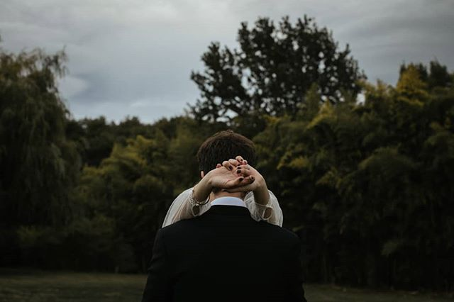 Hold me 🖤 . . . . #elopement #outdoorwedding #bride #fineartwedding #bodas #vintagewedding #puglia #boda #destinationwedding #destinationweddingphotographer #bridedress #bridalphotoshoot #loveandwildhearts #bodasconestilo #bodasgalicia #bodas2019 #novias2019 #bodasconencanto #smpshareyourstory #noviasconestilo #elopementphotographer #greenweddingshoes #theknot #beachwedding #junebugweddings #everydayibt #bohoweddingdress #novias #stylemepretty #sinspirersemarier