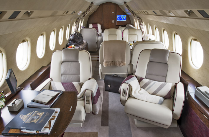 Falcon 2000 02.jpg