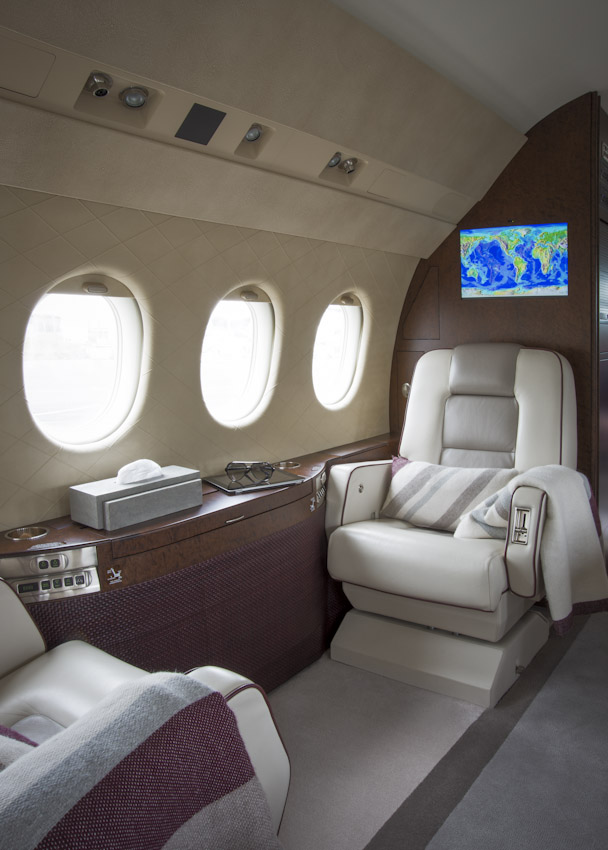 Falcon 2000 08.jpg
