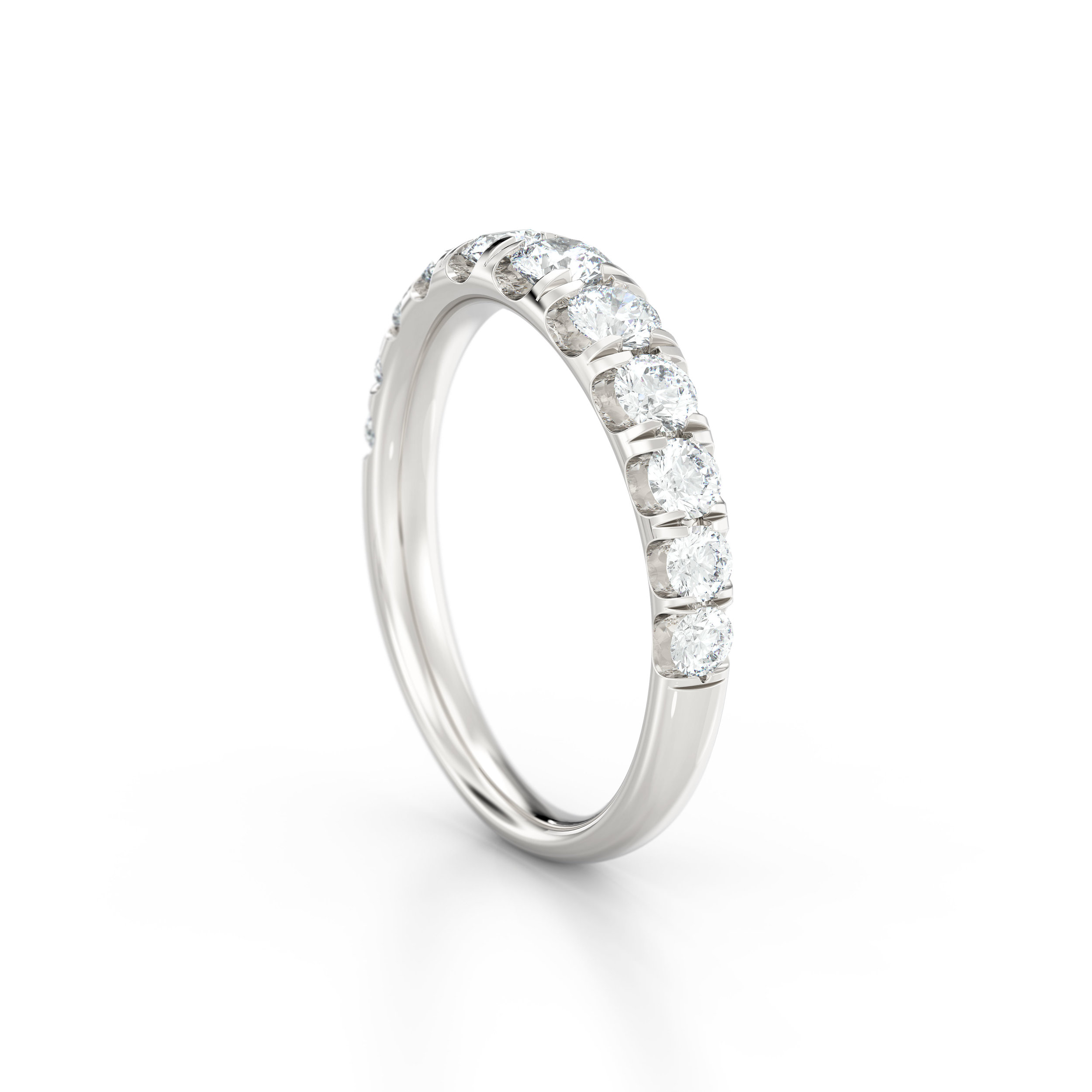 Tapering shared claw eternity ring