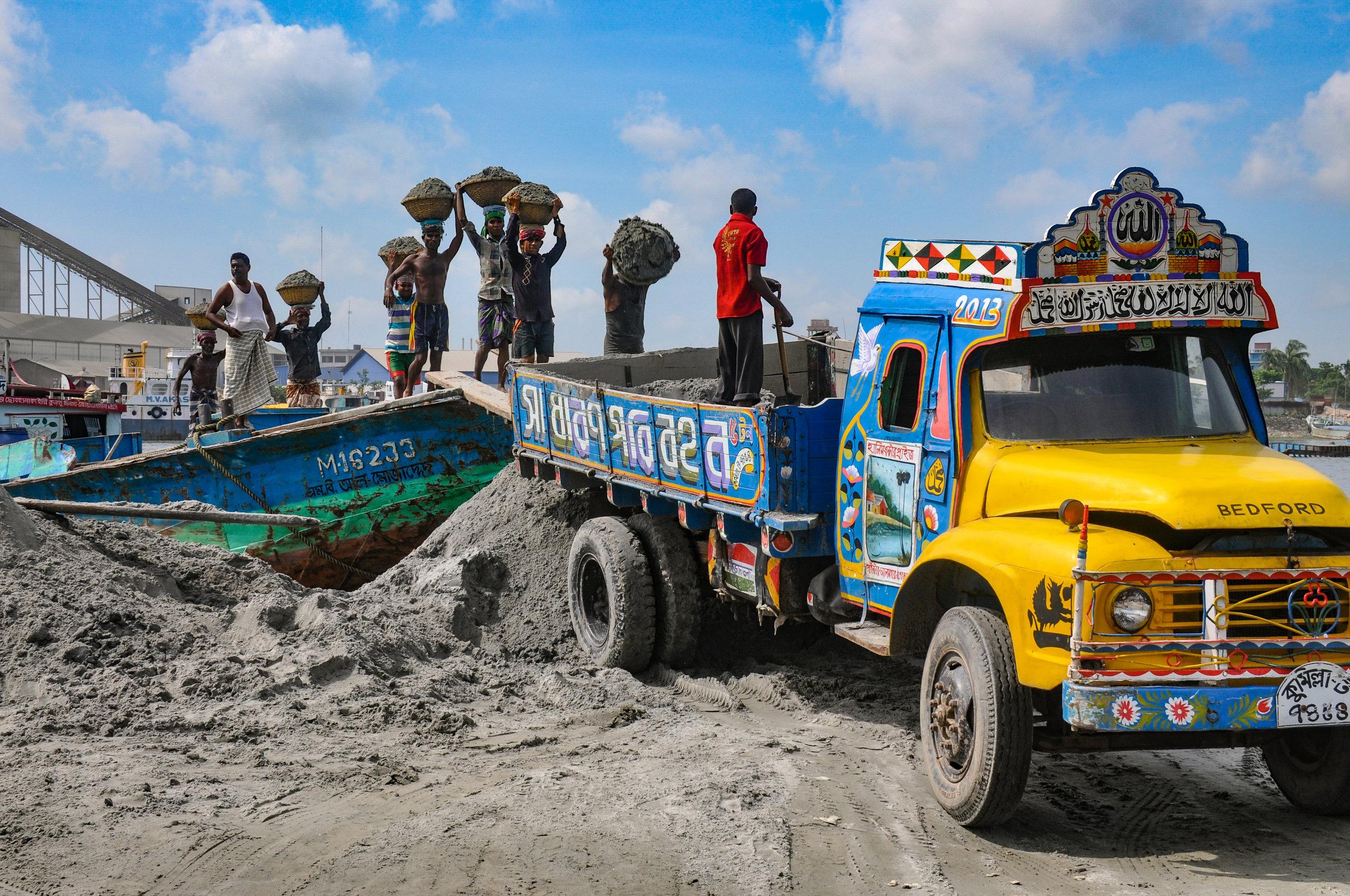 Bangladesh Sand Mining Truck_Copyright_JIM_BEST.jpg