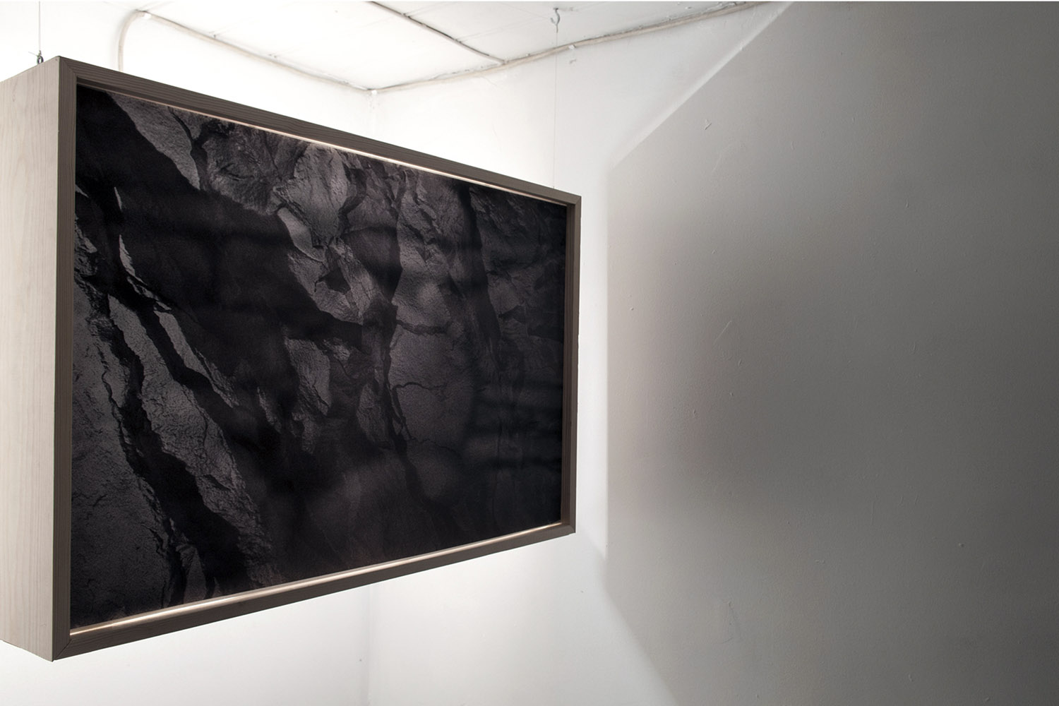 Light box installation , Behind These Walls Lies The Entire Earth,  group exhibition. Bergen (NO).  2014