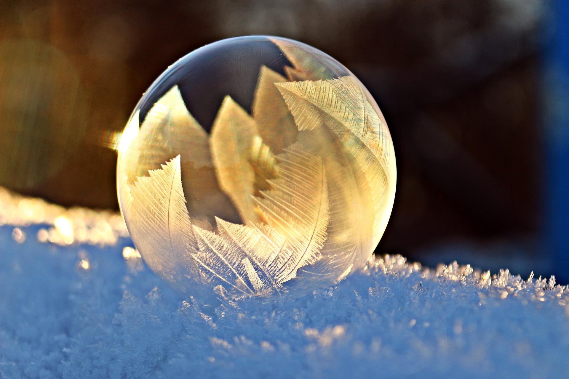 soap-bubble-1958650_1920.jpg