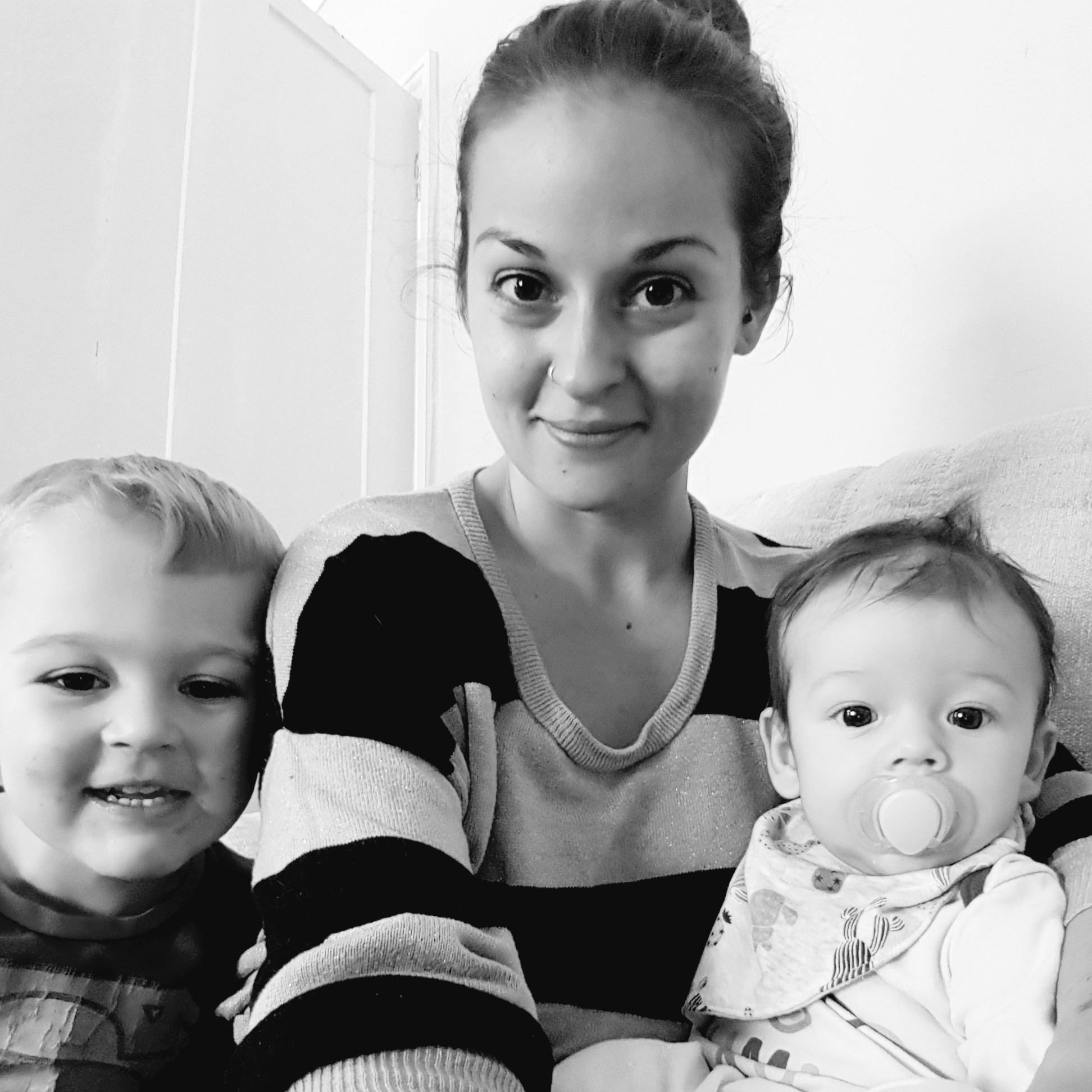 Vicki Cockerill - As well as her brilliant blog, you can find Vicki on Instagram, Facebook and Twitter. Read her latest article for Blasting News here.