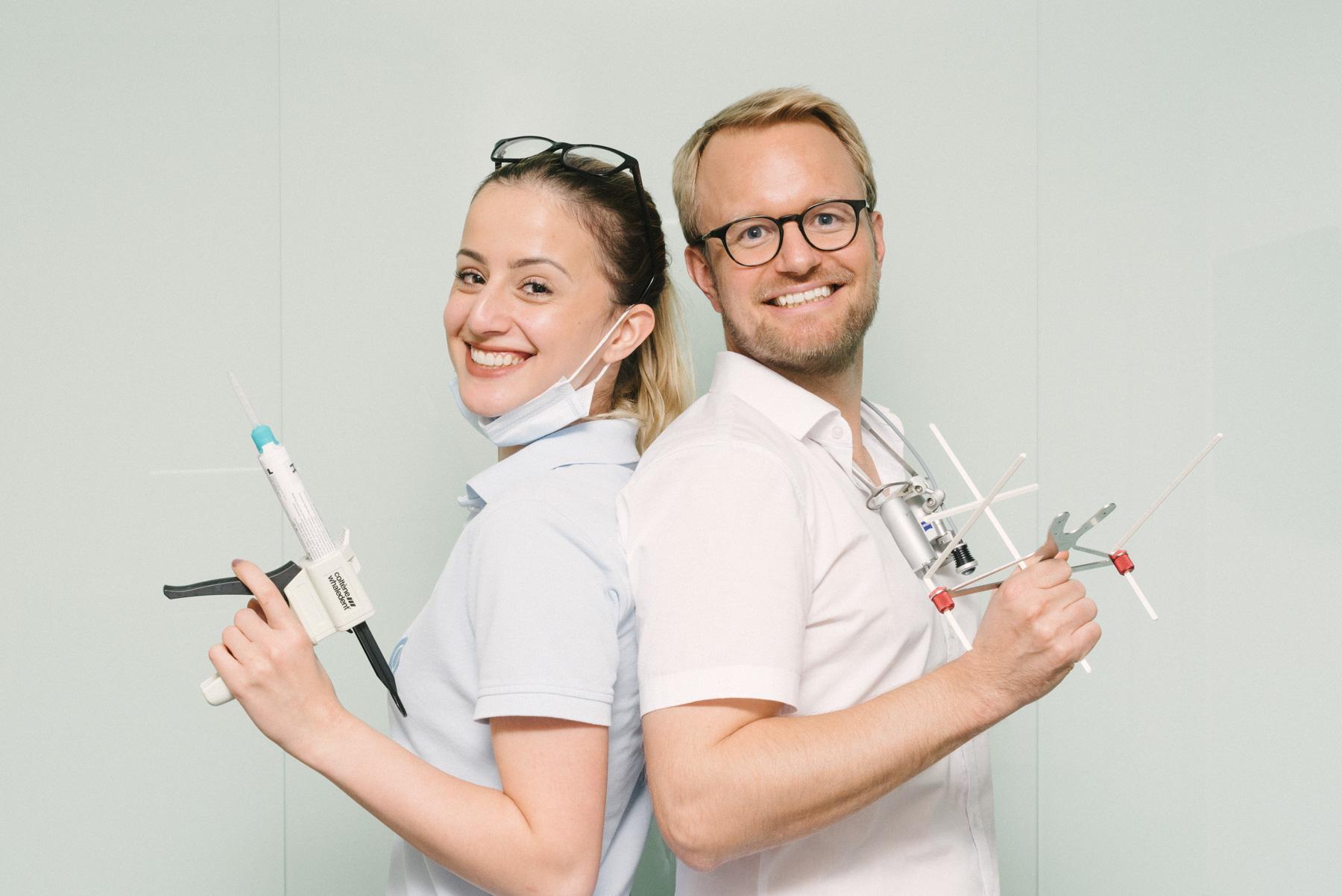 Stefan und Louisa von Q-Zahnärzte.