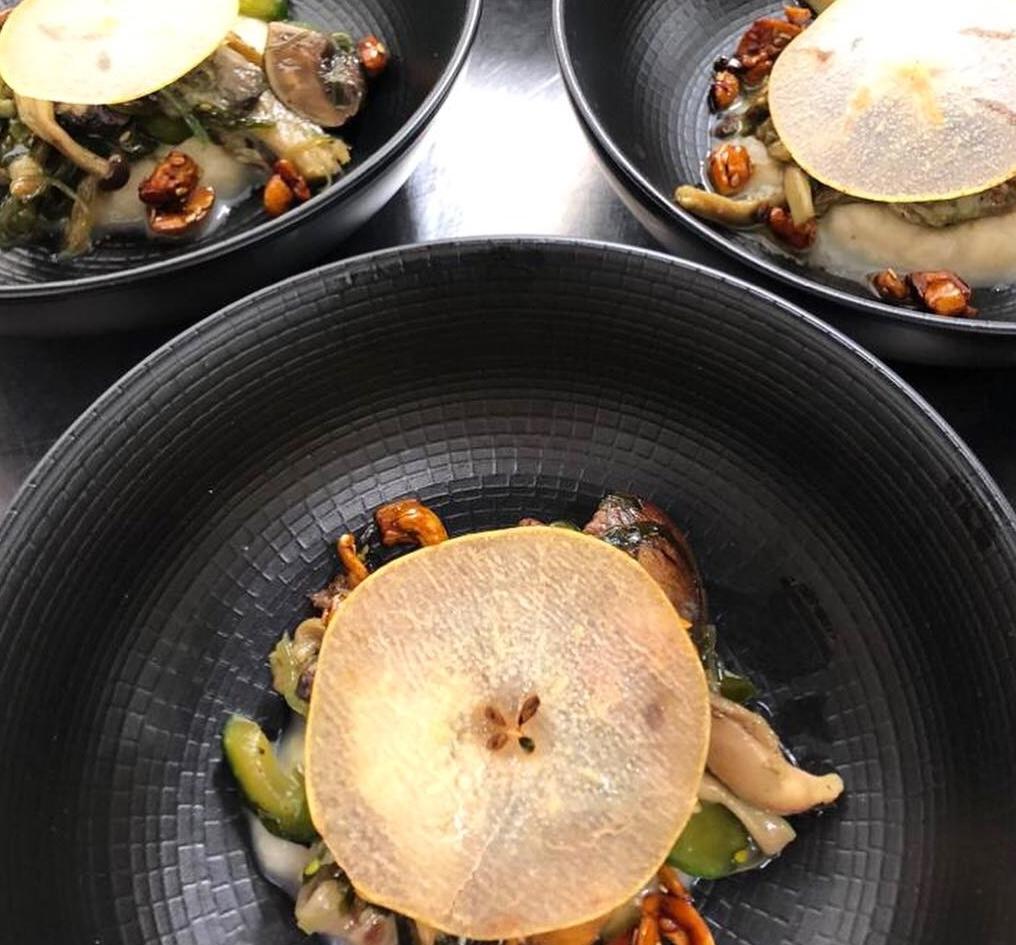 Wild mushrooms, wakame salad, compressed pear.