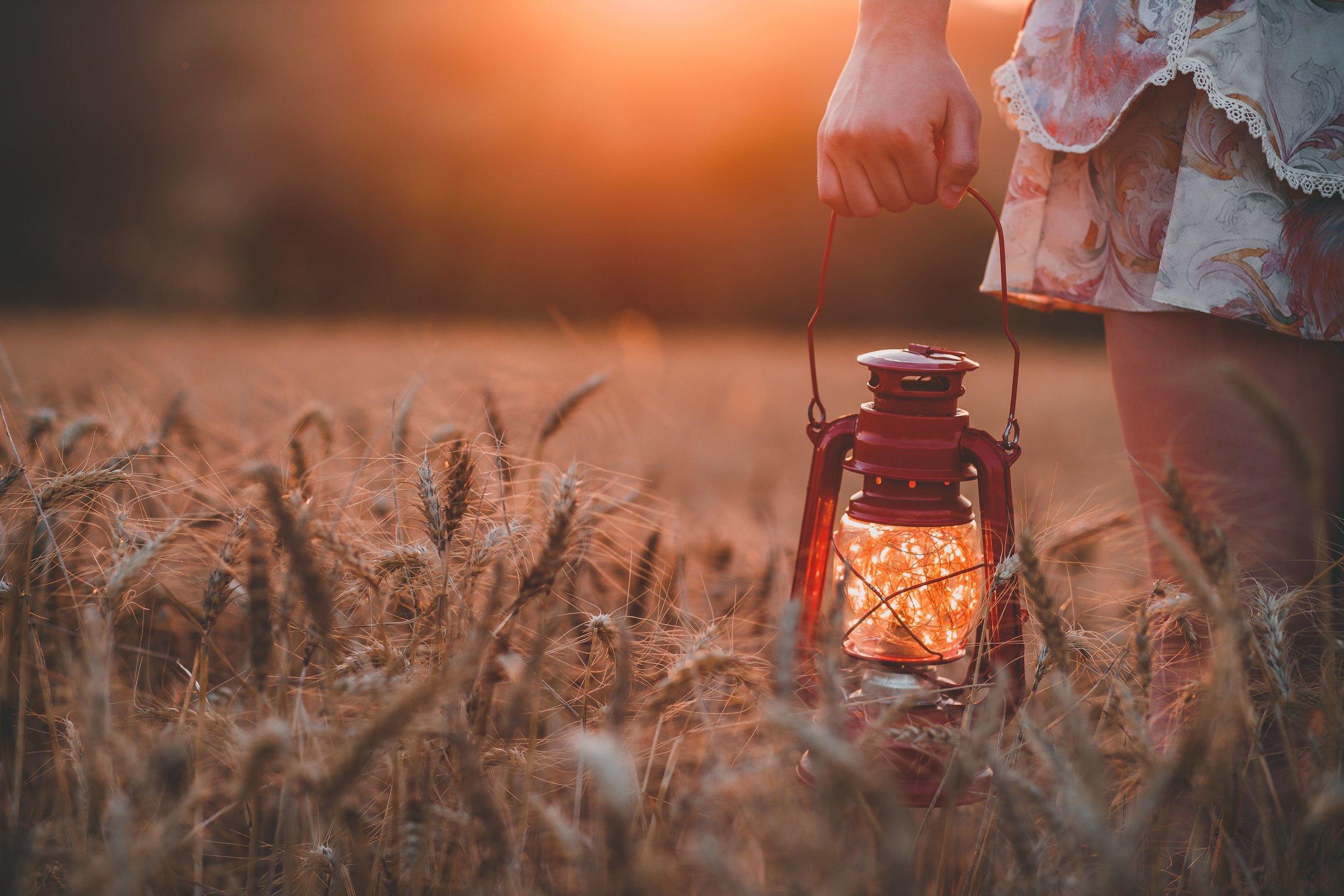lantern-min.jpg