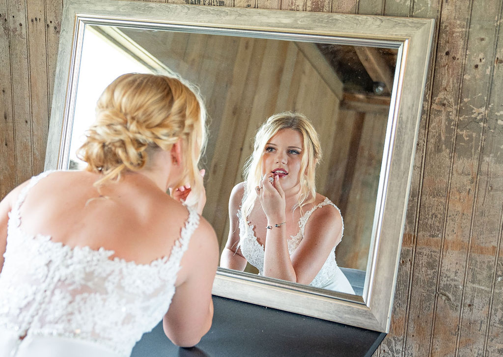 EmmaMales_Indianapolisweddingphotography_vinyardelopement-3.jpg