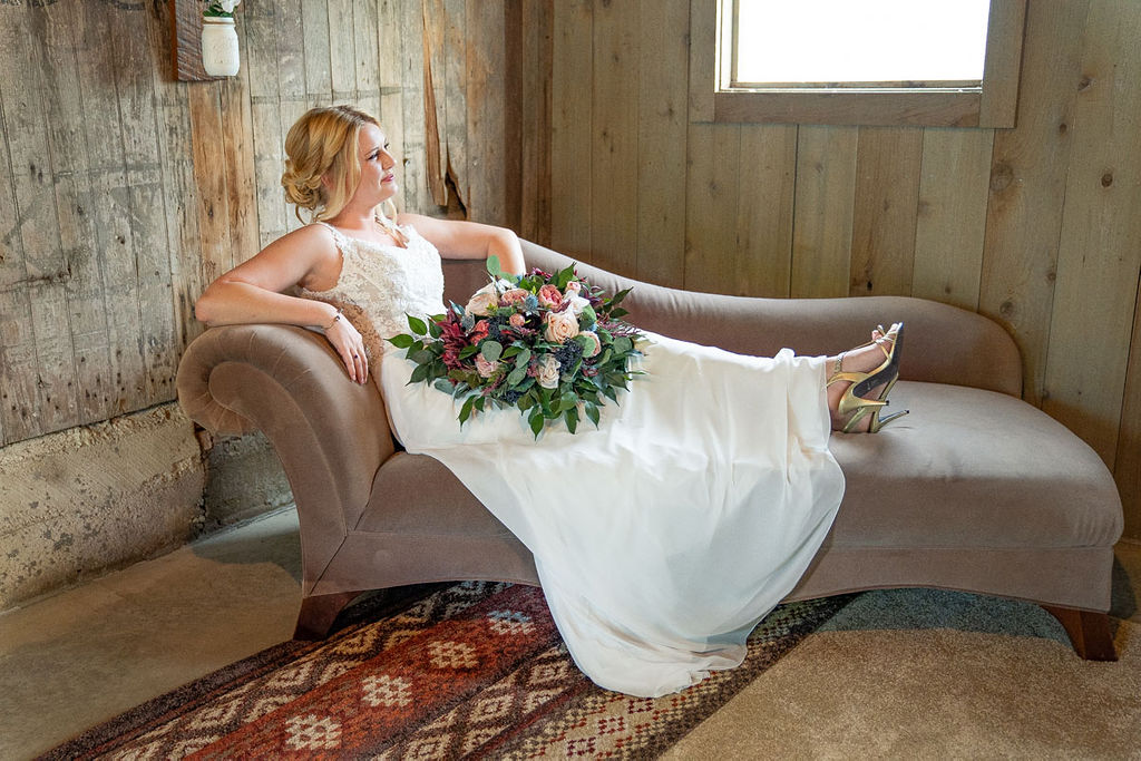EmmaMales_Indianapolisweddingphotography_vinyardelopement-4.jpg