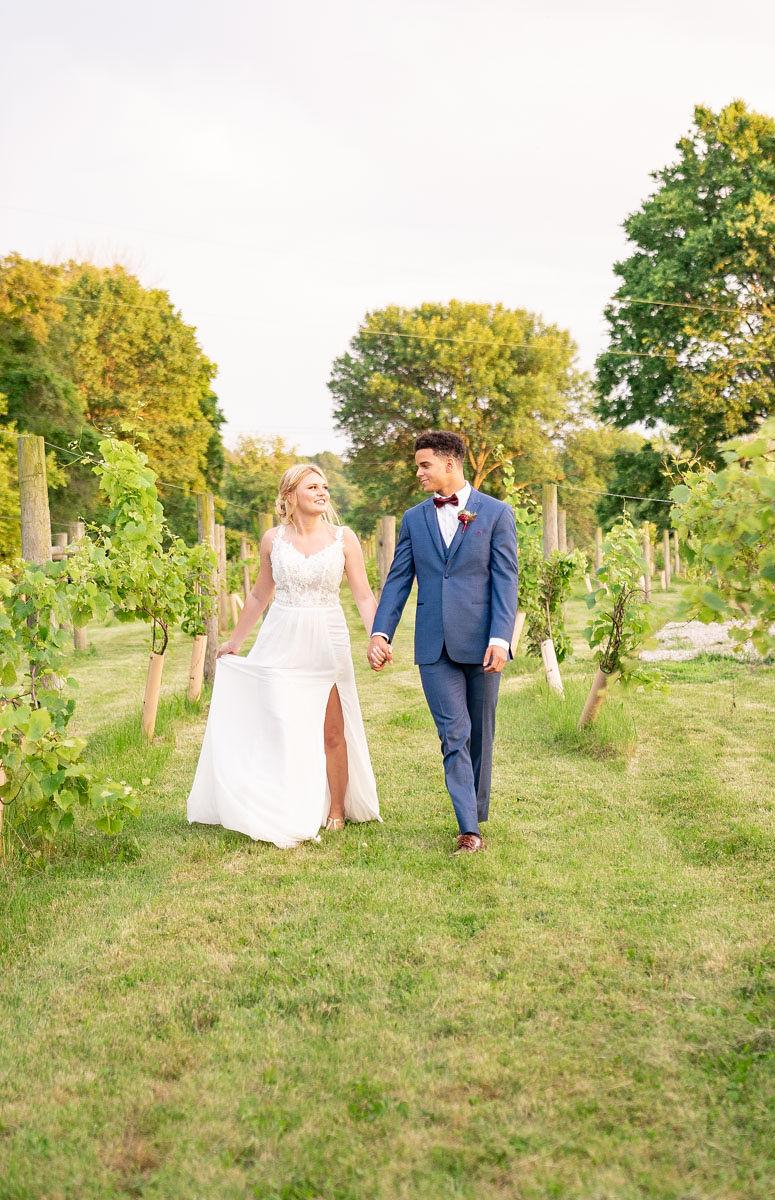 EmmaMales_Indianapolisweddingphotography_vinyardelopement-48.jpg