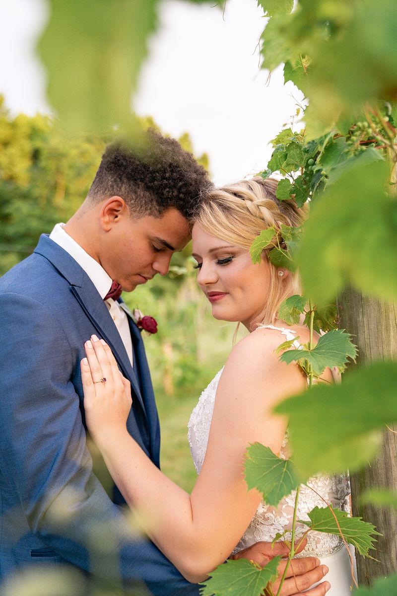 EmmaMales_Indianapolisweddingphotography_vinyardelopement-52.jpg