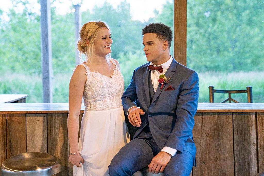 EmmaMales_Indianapolisweddingphotography_vinyardelopement-61.jpg