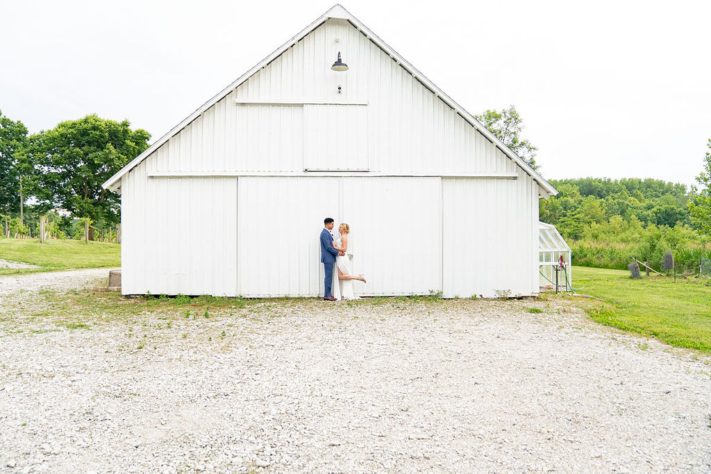 EmmaMales_Indianapolisweddingphotography_vinyardelopement-63.jpg