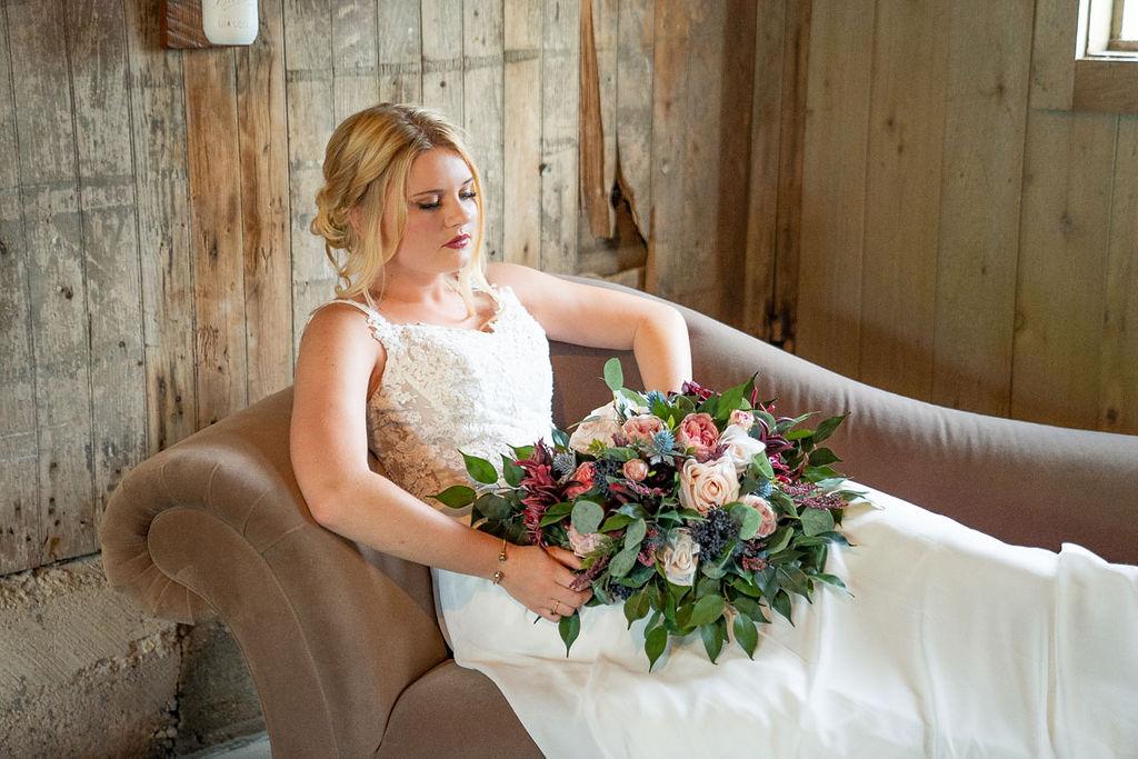 EmmaMales_Indianapolisweddingphotography_vinyardelopement-5.jpg