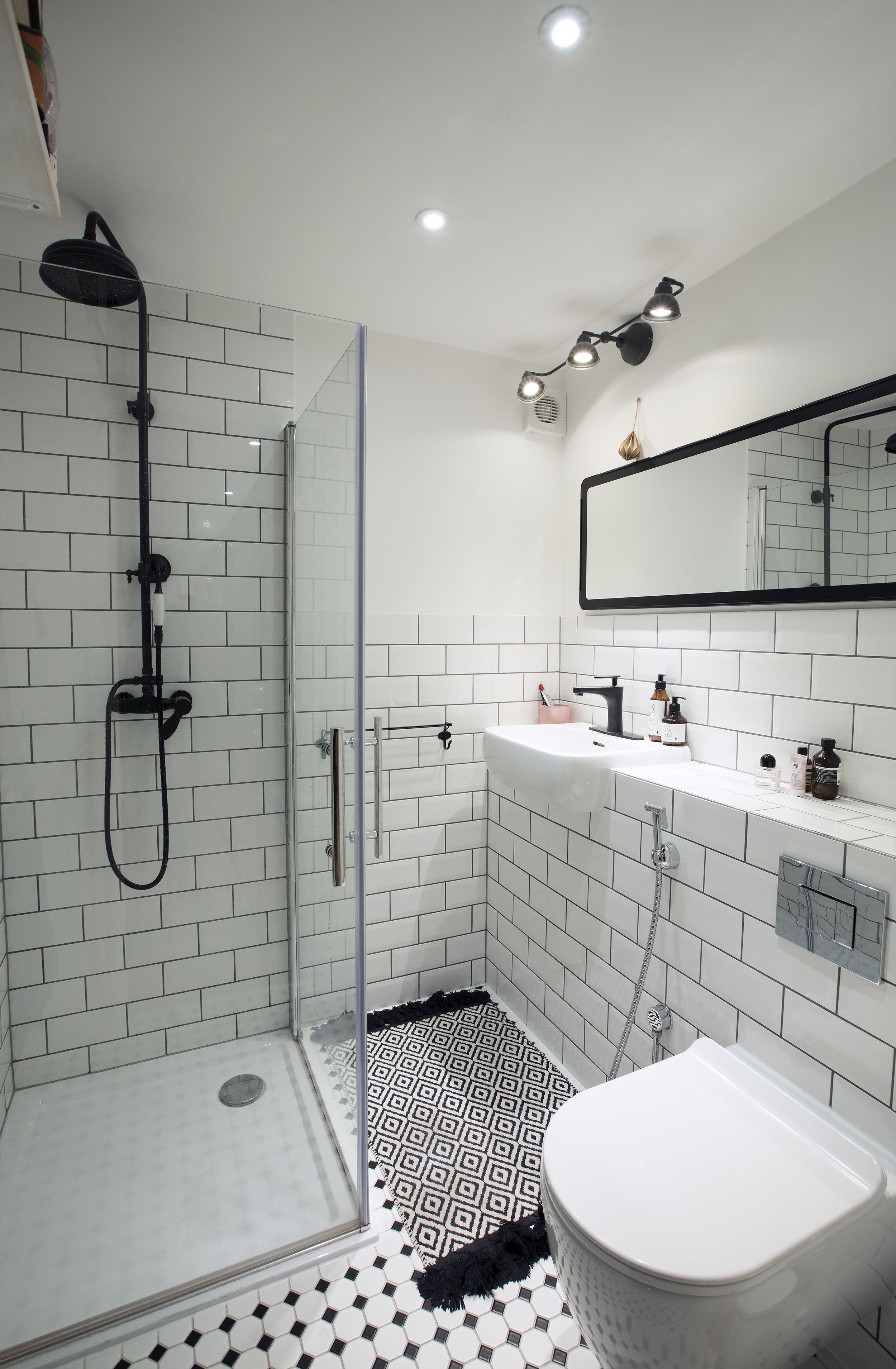 bathroom_two.jpg