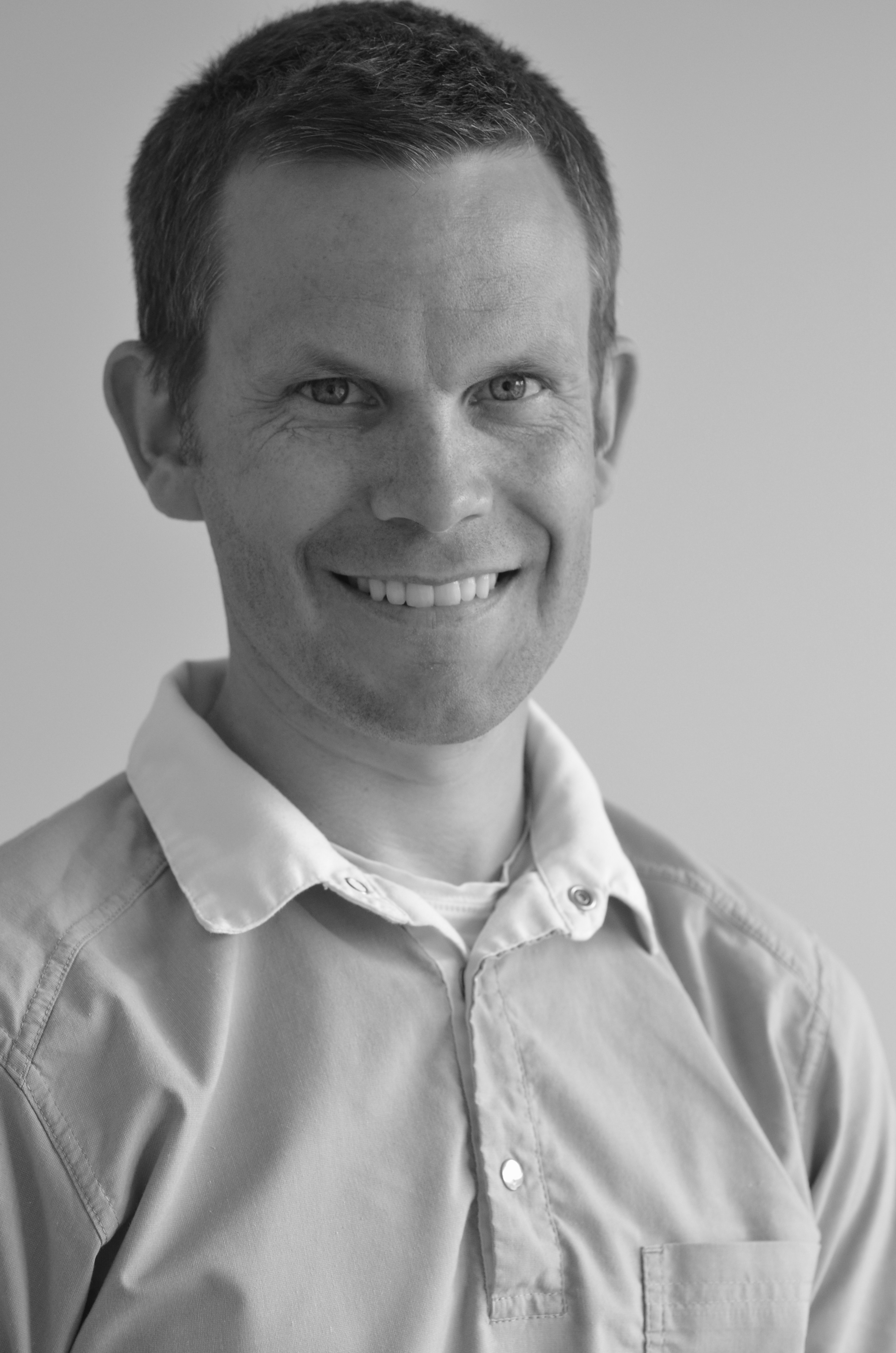 Einar Hals - Klinikkeier og tannlege MNTFUtdannet ved Universitetet i Bergen ved det medisinsk-odontologiske faktuelt 2003-2008.Einar er fra Elnesvågen