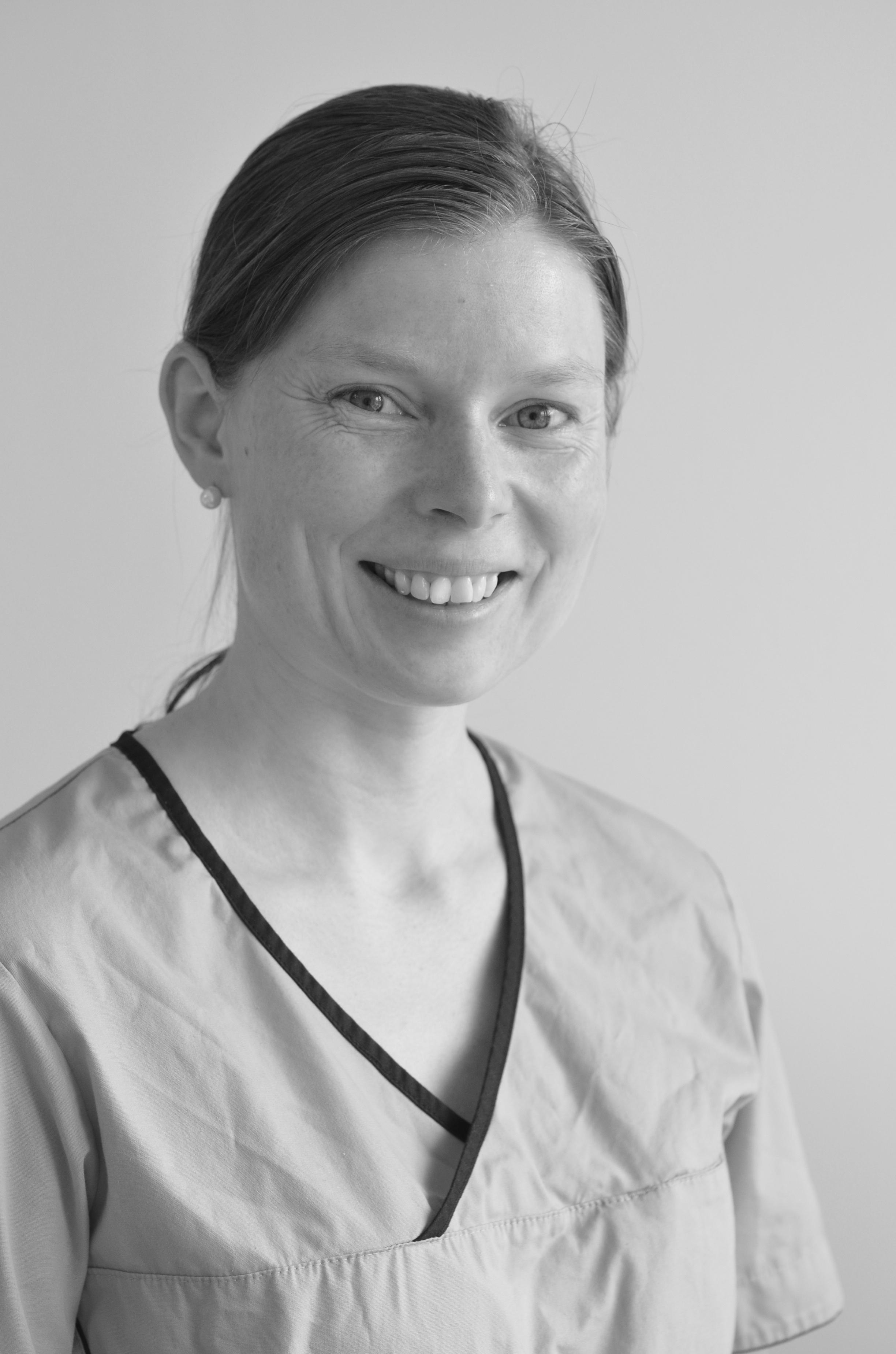 Solveig Rangøy Solheim - Tannpleier NTpFUtdannet ved Universitetet i Bergen ved det medisinsk-odontologiske fakultet 2003-2006.Solveig er fra Averøy