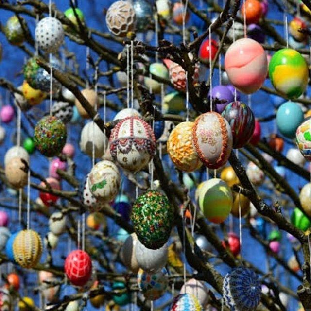Happy Easter everyone, may any egg you open today be filled with creativity, beauty and love. 💙