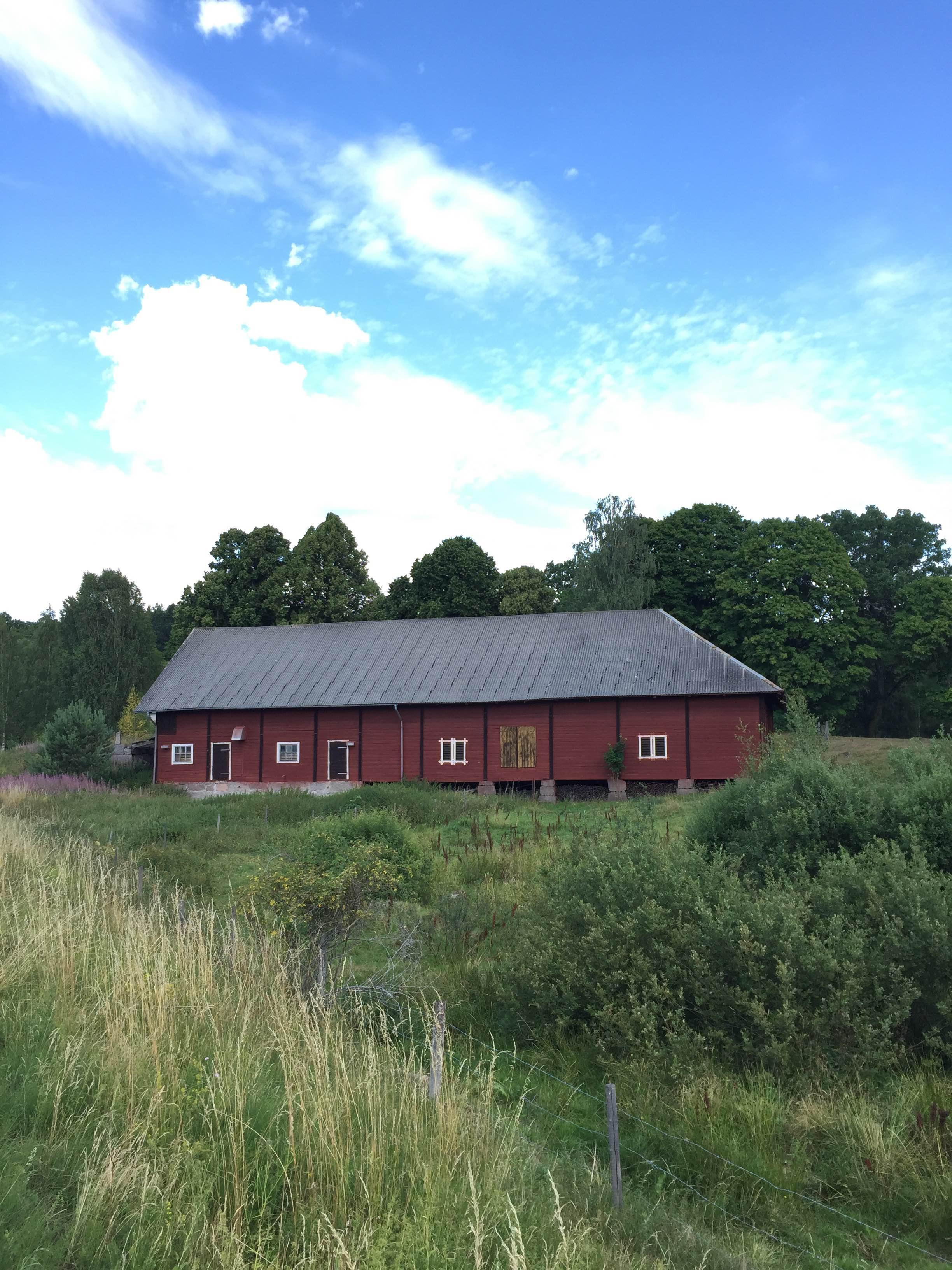 Loppis & Pop Up i Björndal 18/7 & 27/7 - Nu är det åter dags för loppis i Björndal! Nytt för i år är att vi även har en liten Pop Up. FB Ceramics är på plats på torsdagen (18/7) och säljer sina underbara keramikalster. Både torsdagen (18/7) och lördagen (27/7) finns Fru Vintage´s 11-kaffe att inhandla och Karolina Germundsson ställer ut och säljer sin fotokonst.Varmt välkommen torsdagen den 18/7 kl: 15:00-18:00 och lördagen den 27/7 kl: 11:00-14:00!