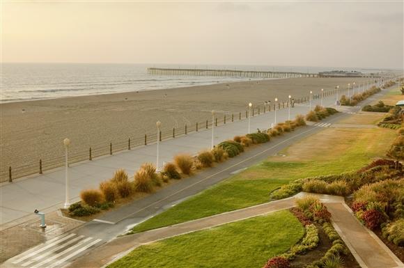 virginia_beach_boardwalk.jpg