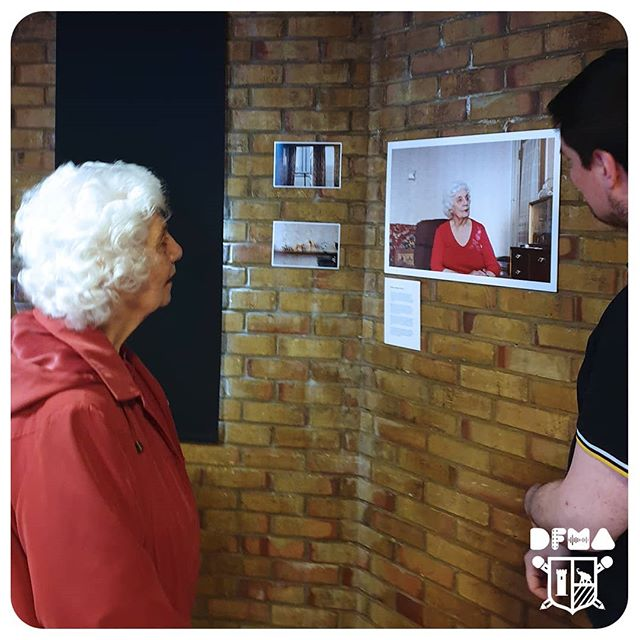 Diane seeing her portrait as part of the Draper Estate residents series, taken by our students. #DFMA #elephantandcastle #photography #photographyexhibition