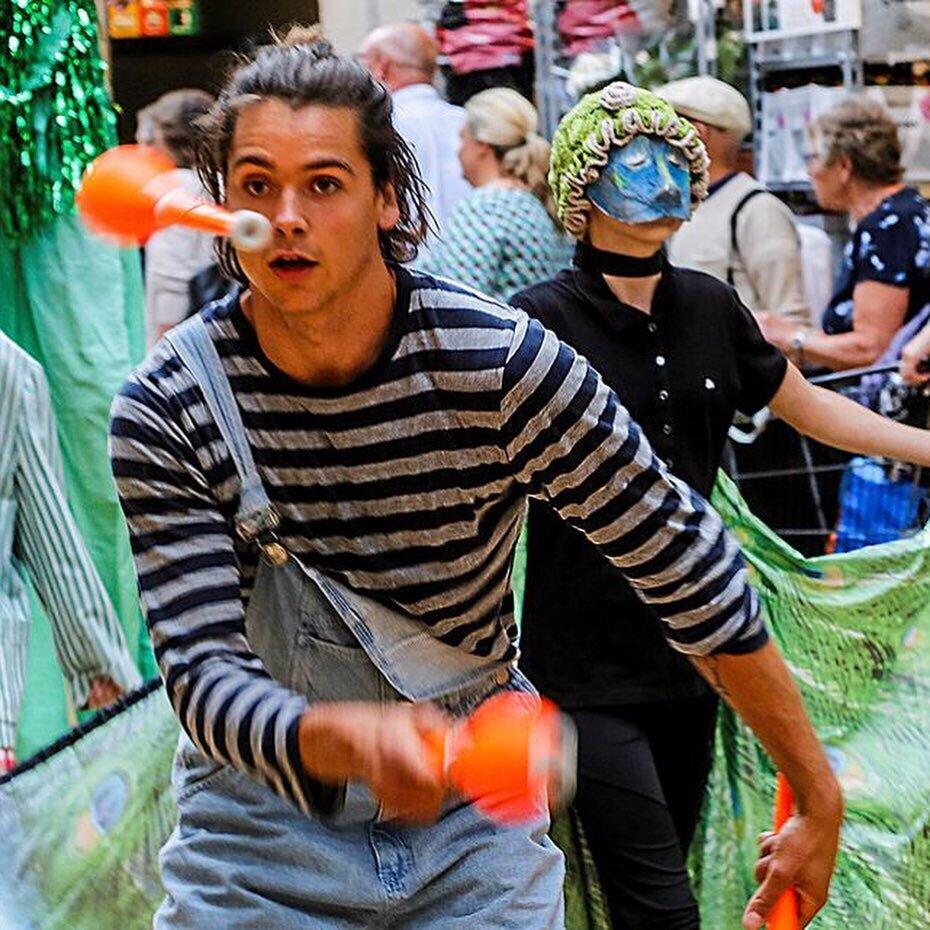 unforgotten-mads-circus-juggling.jpg