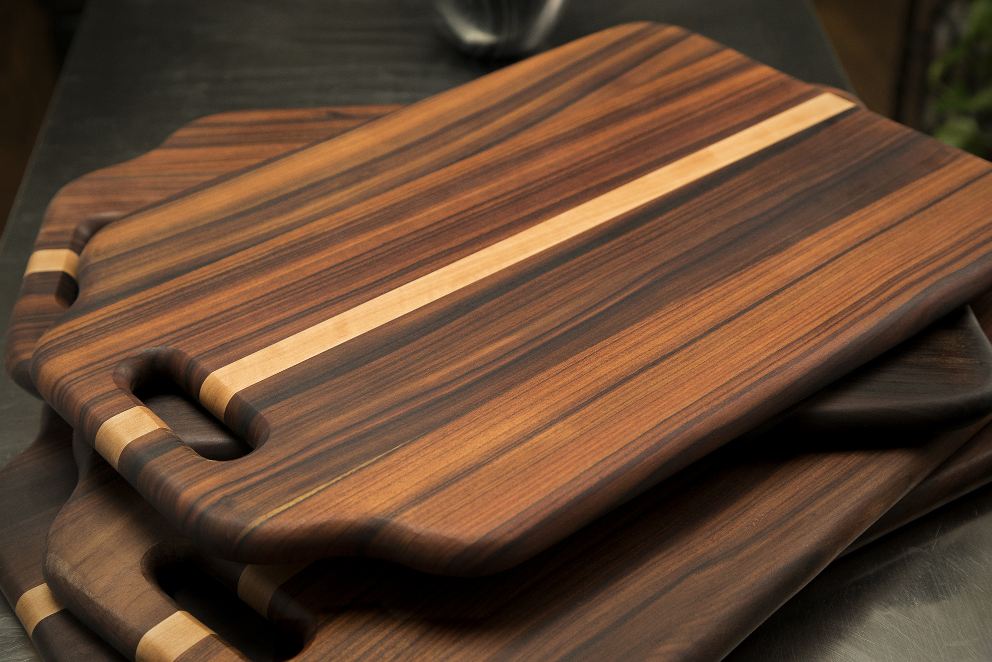 Bolivian Rosewood Serving Tray Cutting