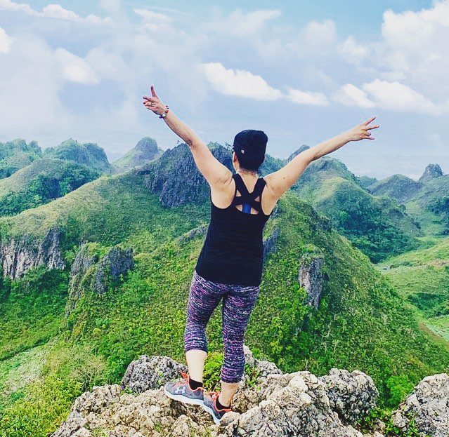 On top of the world!  Go Yoga Pants made it all the way to the Philippines 🇵🇭 #goingplacestogether #aroundtheworld