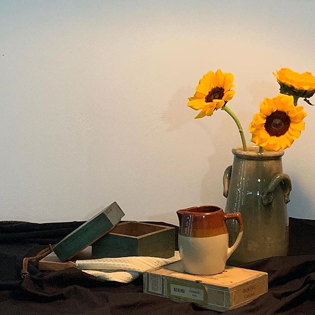 """""""Sunflower Still-Life"""" ... 1st BYOM sketch + paint night was perfect 👌🏼 Can't wait for next week's session. ... #comeasyouare #sketchclub #sunflower #stilllife #creativecommunity"""