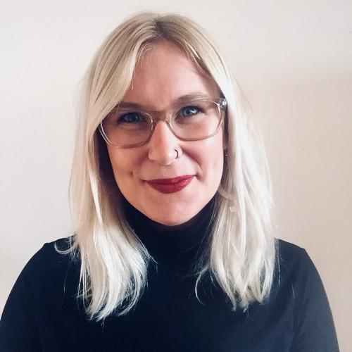 """""""Sex vid smärta och stressbesvär."""" - Hanna Byström, sexolog och sakkunnig i Sveriges Radios podcast """"Ligga med P3"""" är med som gäst i avsnittet om """"Sex vid smärta och stressbesvär""""Foto: Kapat från LinkedIN"""