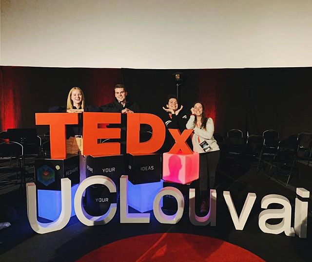 🇨🇵 Tellement fière de la co-fondatrice @faeveorite ❤️ elle était incroyable. Ne vous inquiétez pas, on vous enverra la vidéo dės qu'elle sortira ! Merci à @tedxuclouvain ! 🇬🇧 Proud of are co-founder @faeveorite ❤️❤️ she was amazing at the talk. Don't worry we will send you the link of the video as soon as we can! Thank you to @tedxuclouvain for this opportunity!