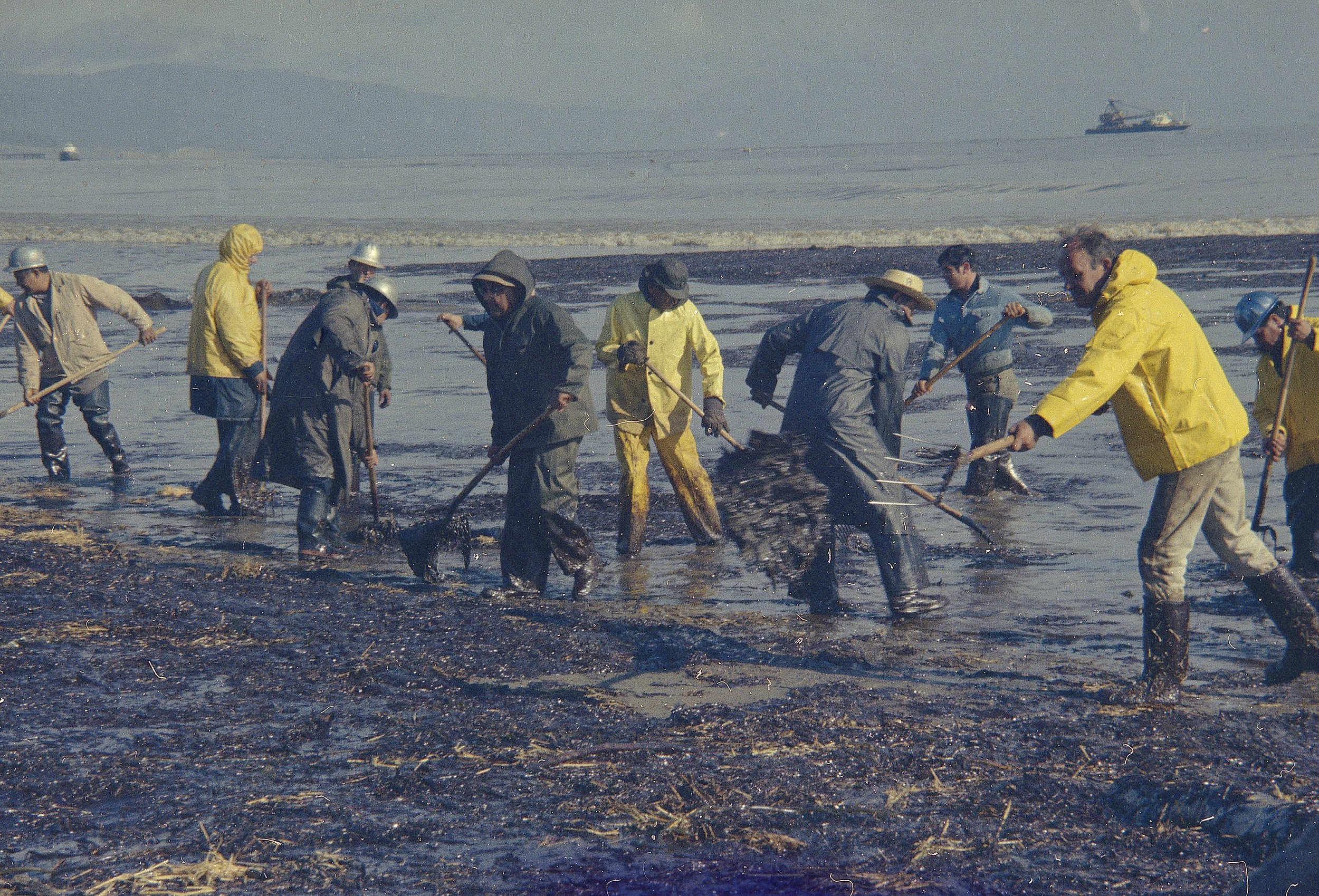Santa Barbara oil spill 1969