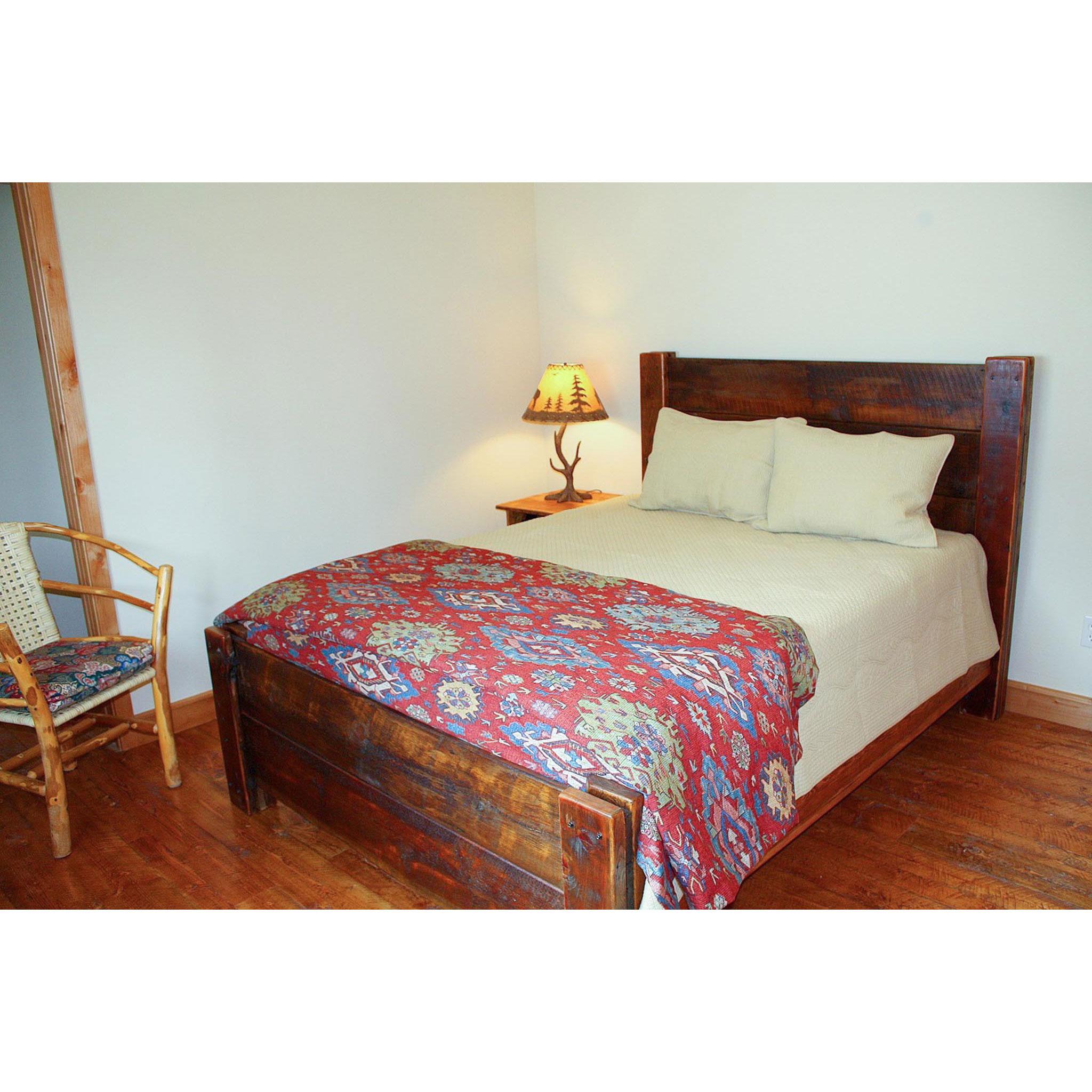 spanish peaks  Straight plank reclaimed bed.