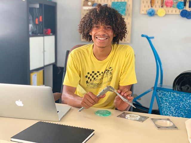 Meet our new team member Harry🎉 He's officially a product designer since this summer and came to Curacao to help us out for the next 3 months👪
