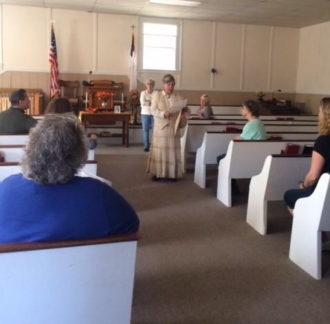 Former Windham Historical Society President Linda Griffin on the Society's Fall History Tour.