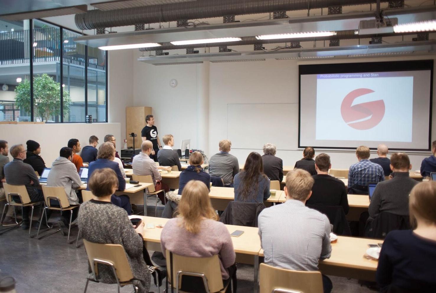 Aki Vehtari's talk on Stan and Probabilistic programming as a part of FCAI Machine Learning Coffee Minisymposium on AI in Spring 2018. Image: Matti Ahlgren