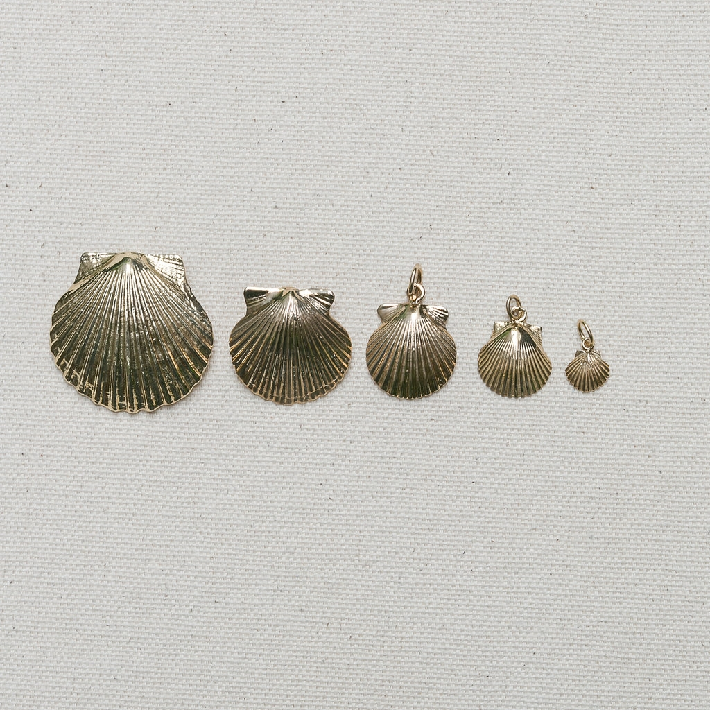 SCALLOP CHARMS/PENDANTS